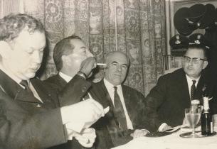 Ondertekening jumelage Oostduinkerke-Biedenkoph 1966